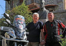 O Μητσάκης με Honda CB500X στα χνάρια του εξερευνητή Παναγιώτη Ποταγού στην Κεντρική Ασία