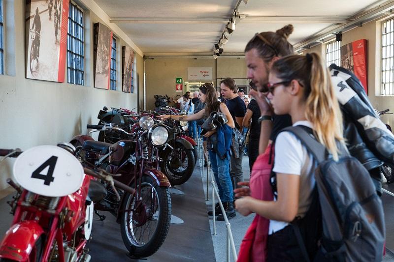 02 Moto Guzzi Open House