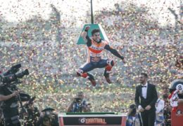 O Marc Marquez κερδίζει το 8ο Παγκόσμιο Πρωτάθλημα στην Ταϊλάνδη