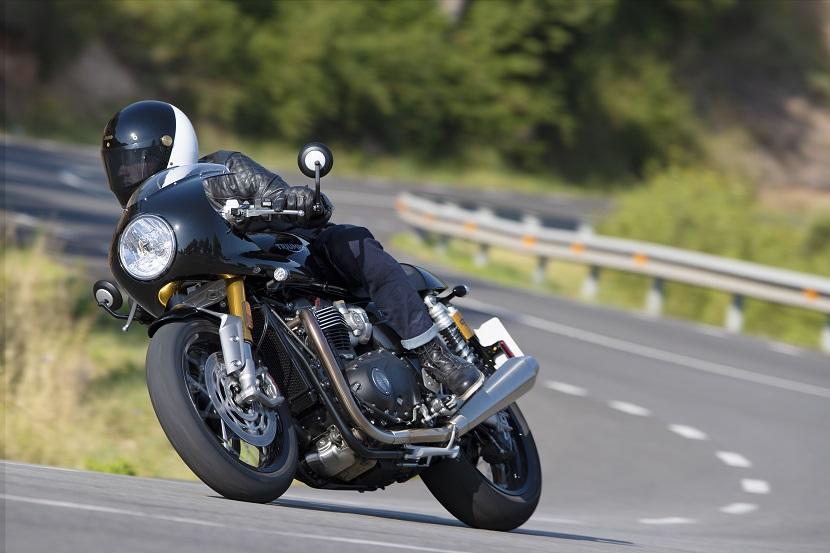 Thruxton RS - Acc. lifestyle 8