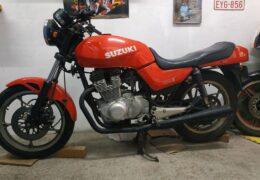 To KATANA του μεροκαματιάρη SUZUKI GSX 400 (250) E 1984E