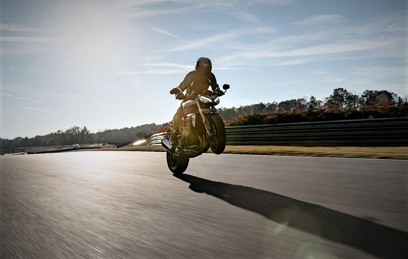 Speed-Triple-1200-RS---Hero-Riding-2